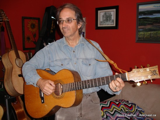 Luthier David Freeman