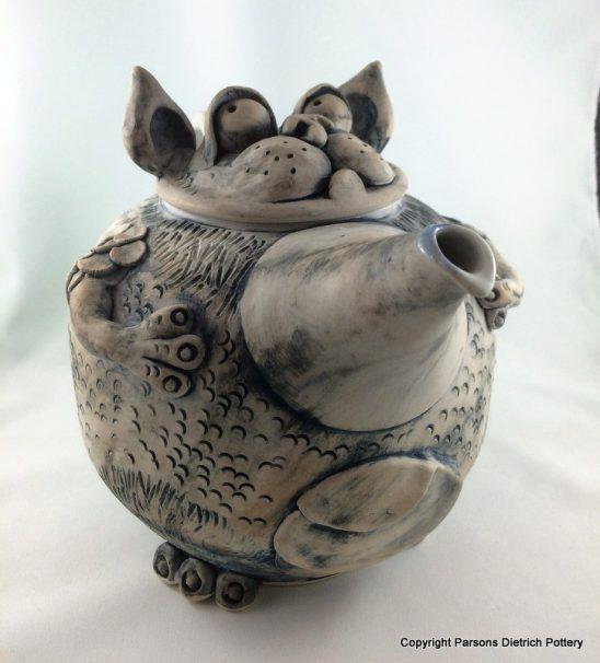 arts-quest-parsons-dietrich-pottery-teapot-3